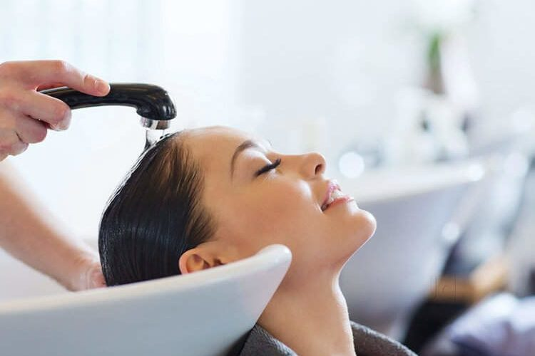 Book Amazing Beauty Treatment at Doorstep From Reputed Beauty Salon